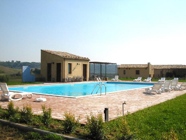 Costruzione piscine prefabbricate liguria costruzione - Agriturismo liguria con piscina ...