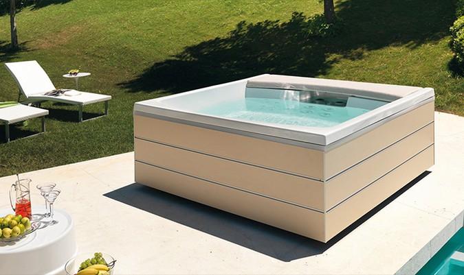 Vasche idromassaggio liguria costruzione piscine liguria - Piscina jacuzzi da esterno ...